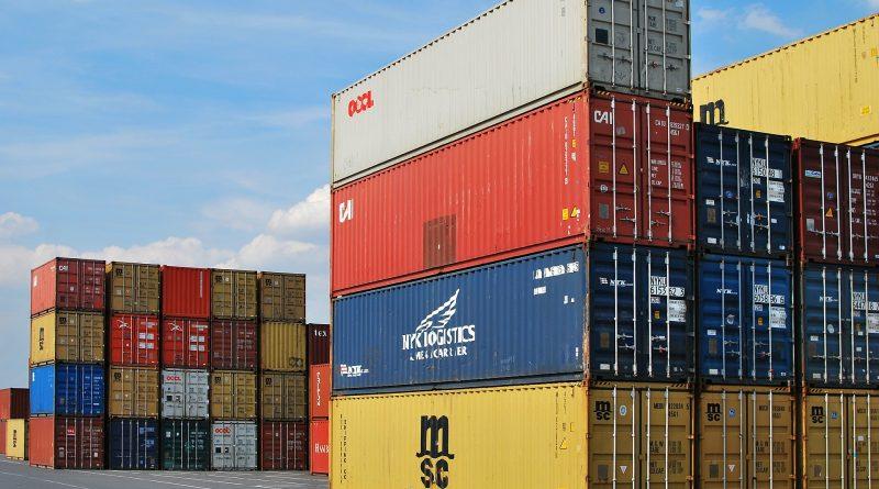 dock 441989 1920 800x445 - Der Welthandel brach im Juli bis zu 30 % ein