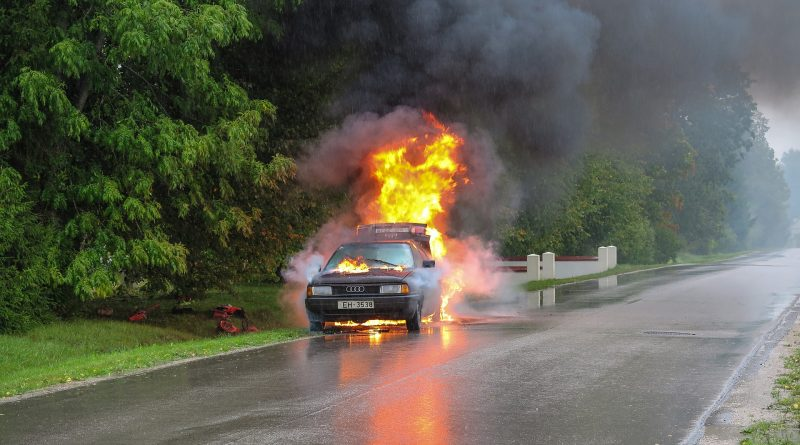 car accident 2789841 1920 800x445 - Sportwagen für eine Million Dollar ging in Flammen auf