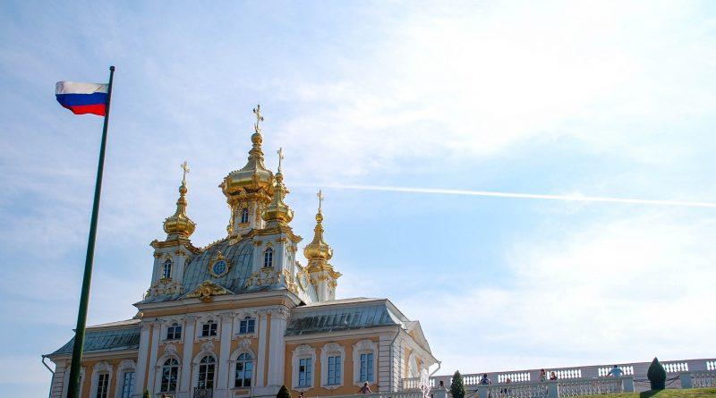 christianity 1168119 1920 800x445 - Russlands Wirtschaft verdrängt bald Deutschland