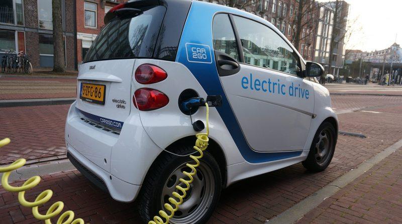 amsterdam 916561 1280 800x445 - Die Probleme mit den Batterien von Elektroautos im Winter