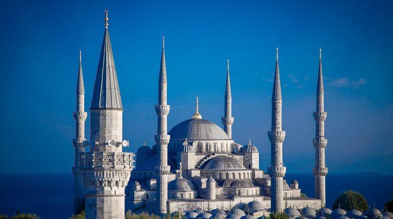 cathedral 1641539 1280 800x445 - Die Türken verlieren das Vertrauen in ihre Währung