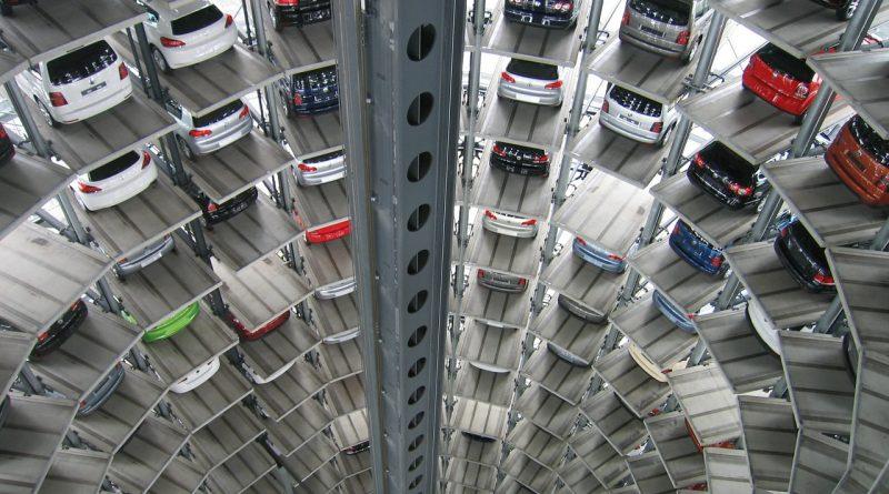 autos 214033 1280 800x445 - Rabatte und zinslose Kredite bringen den chinesischen Automarkt nicht auf Trab