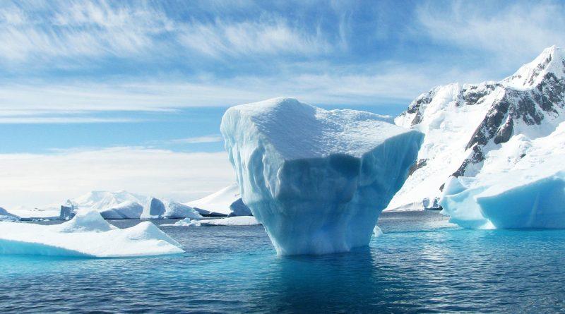 iceberg 404966 1280 800x445 - Ein gigantischer Eisberg bricht vom antarktischen Kontinent ab