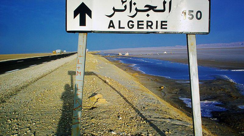 signpost 250808 1280 800x445 - Die schleichende Destabilisierung von Algerien