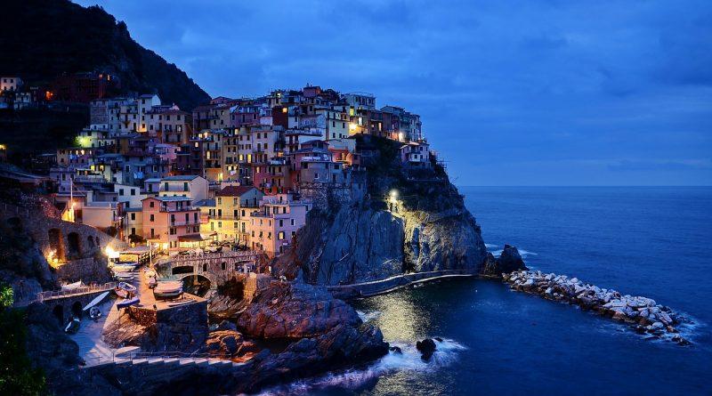 cinque terre 279013 1280 800x445 - Italien schlittert in seine nächste große Wirtschaftskrise