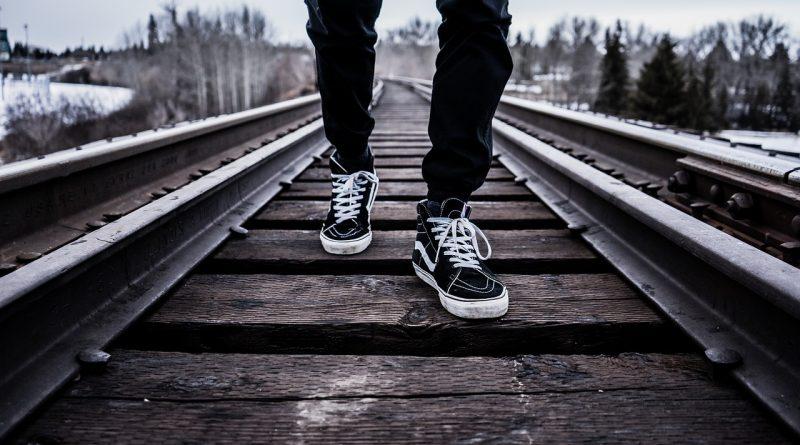 shoes 1245920 1280 800x445 - Wie man unkompliziert abnimmt und sein Körpergewicht kontrolliert