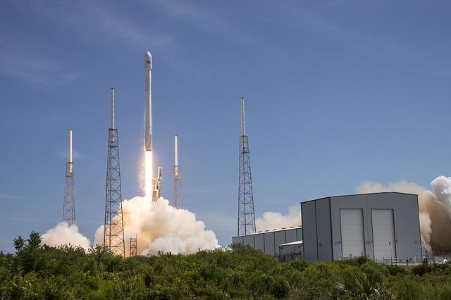 rocket launch 693271 640 - Bei SpaceX läuft es noch immer nicht rund und nicht nur dort