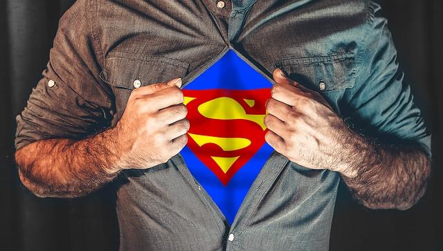 superhero 2503808 640 - Die Auswirkungen der Weltwirtschaftskrise auf unser tägliches Leben