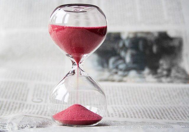 hourglass 620397 640 640x445 - Wie geht es mit unserer Wirtschaft weiter?