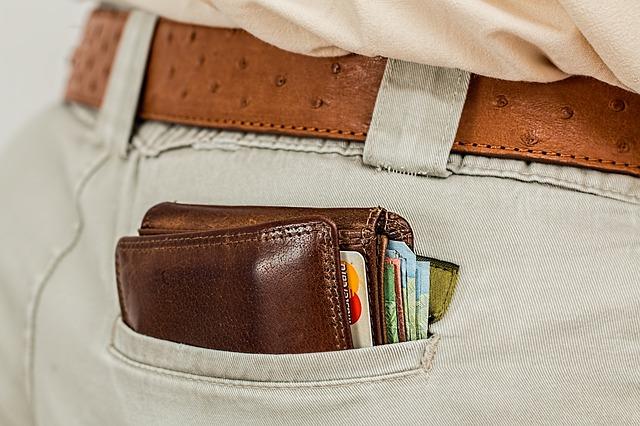 wallet 1013789 640 - Ein Währungskrieg endet im Geldbeutel aller Bürger