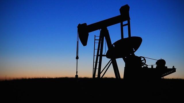 pump jack 848300 640 - Der Ölpreis wurde bombardiert