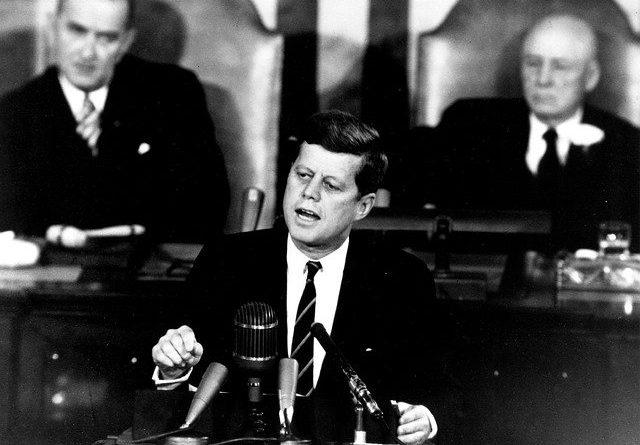 president john f kennedy 396982 640 640x445 - Die Wirtschaftspolitik von John F. Kennedy - Teil 1