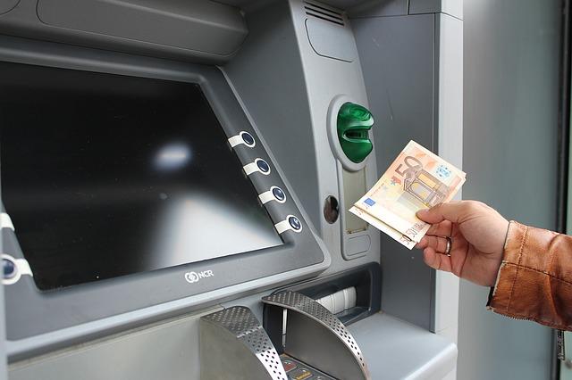 atm 1524871 640 - Die erste Zentralbank geht über die Wupper