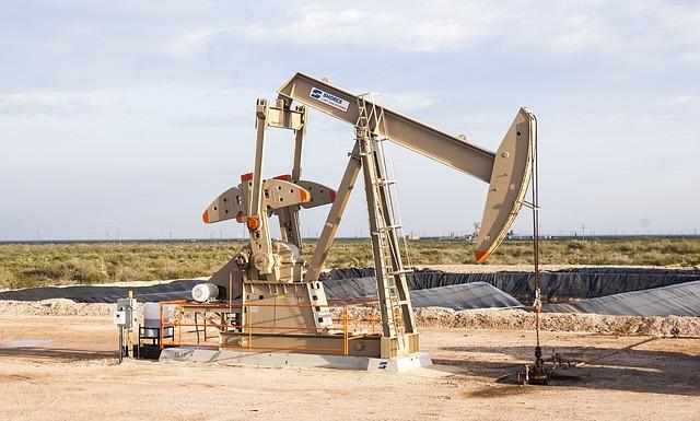 oilfield 643836 640 - Der Ölpreis schmiert weiter steil ab