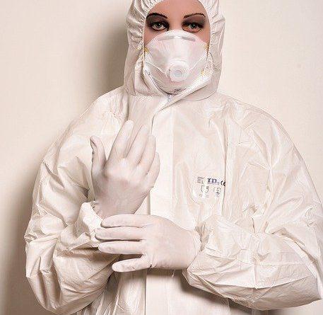 surgeon 4785104 640 457x445 - Outbreak oder die großen Fehler der Vergangenheit